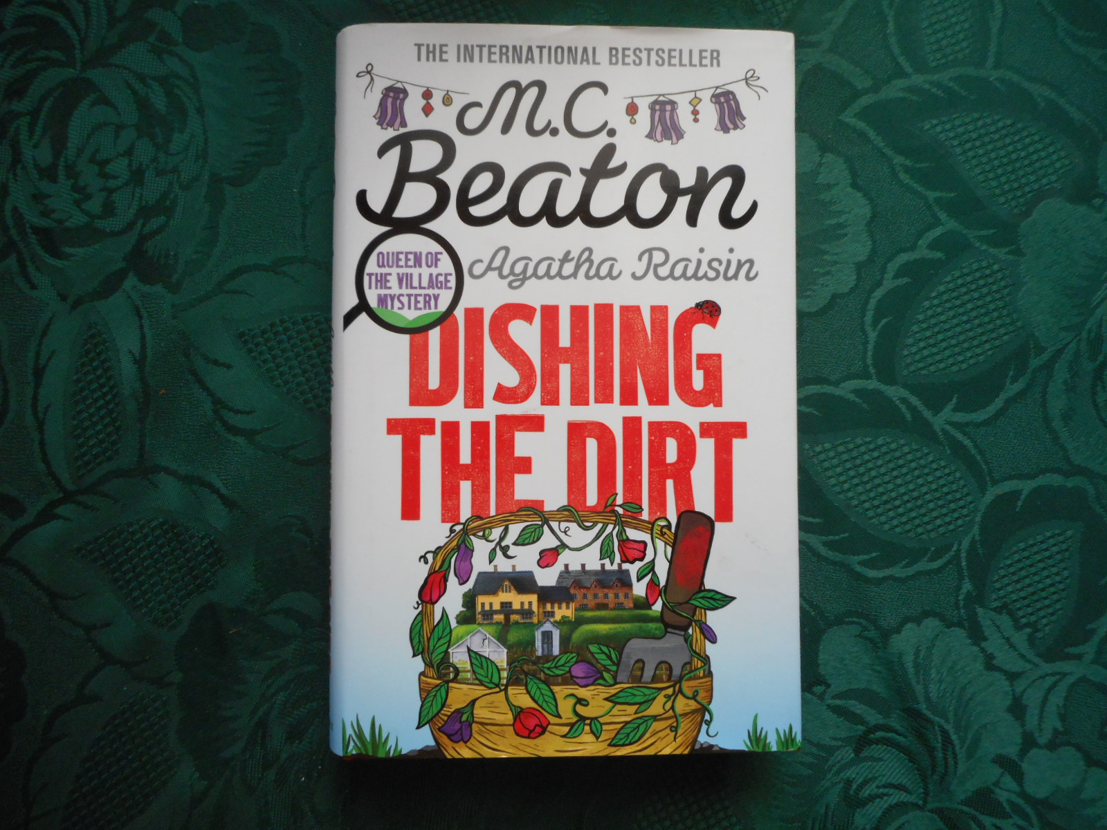Image for Agatha Raisin: Dishing the Dirt