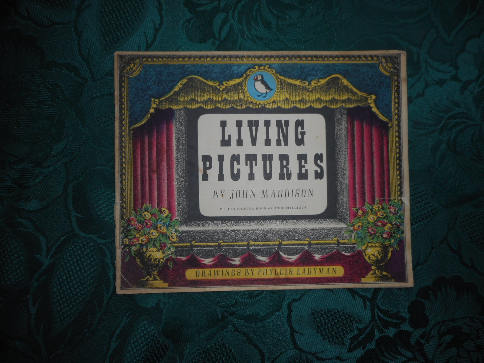 Image for Living Pictures. A Puffin Picture Book. No. 63.