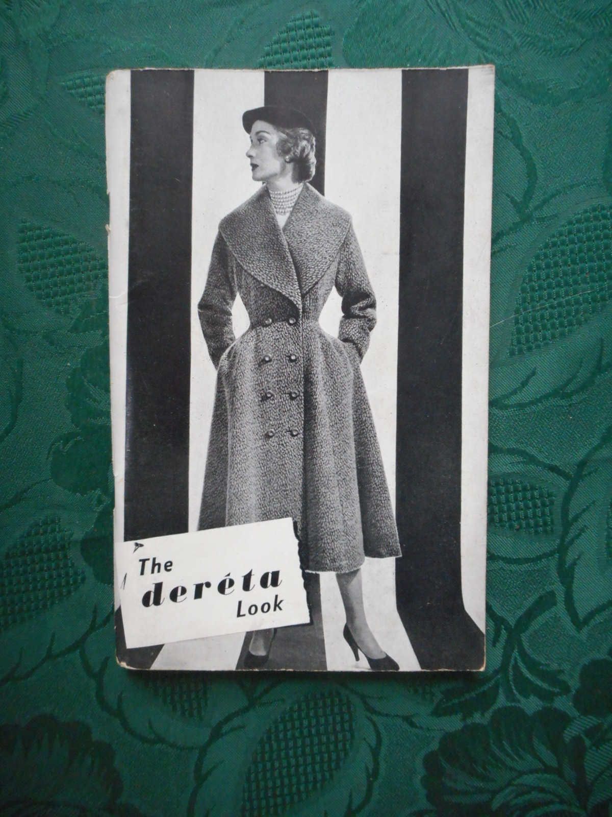 The Deréta Look. Catalogue of Deréta Coats, Separates and Accessories. Circa 1950s Fashion Catalogue