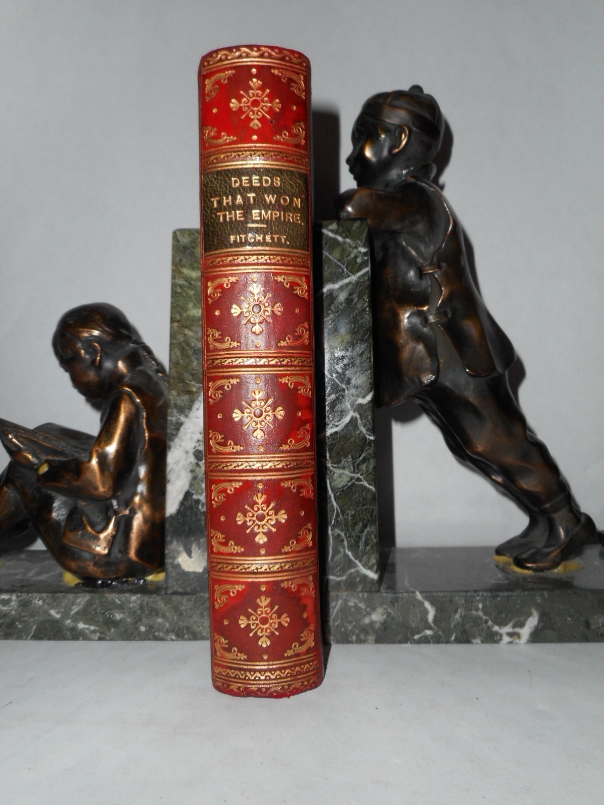 Image for Deeds That Won The Empire . Historic Battle Scenes  (Full Leather 'signed' Prize Binding)